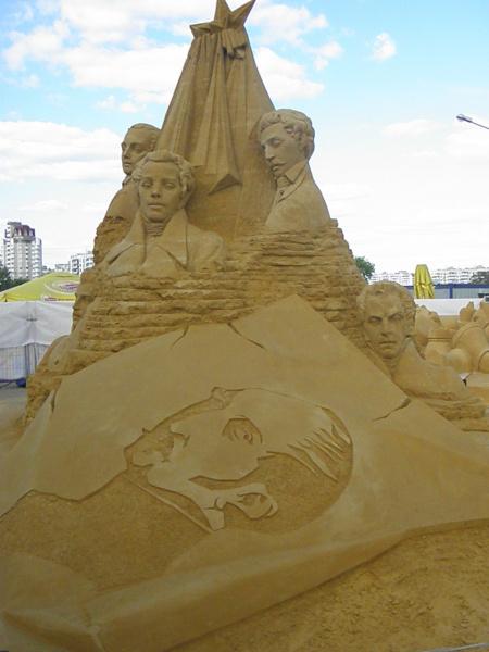 Скульптуры из песка 7